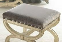 TAUPE - Light Brown / Le taupe est à mis chemin entre le gris et le marron. Base de la décoration élégante il se marie à la perfection avec les teintes vives comme le turquoise, l'orangé, le rose...