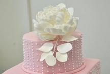 Cupcakes & Cake / by Candice Jones