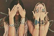 jewels / by Nathalie Ca