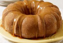 Desserts - Bundt & Pound Cakes / by Rebel Foster