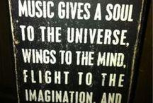 Música! / palavras falham. fale música.