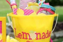 PARTY: Lemonade Stand / Crafts, printables, recipes, and party ideas for an EXTRAORDINARY Lemonade Stand!