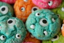 PARTY: Monster Party / Crafts, printables, recipes, and party decor to help you host an EXTRAORDINARY Cupcake party!