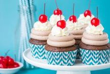 PARTY: Cupcake Party / Crafts, printables, recipes, and party decor to help you host an EXTRAORDINARY Cupcake party!