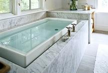 salles des bains / strictly bathrooms.