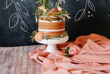 Bryllupskaker / Her kan dere finne inspirasjon til bryllupskaken! Mange av kakene er rene håndarbeidet, og her finner du litt for en hver smak!   I vår landsdekkende leverandørguide, finner du konditorier og bakerier over hele Norge. http://www.brudepikene.no/index.php?option=com_sobi2&catid=3&Itemid=60