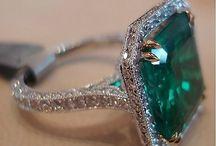 Emerald / by Maritza Zuniga