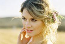 Skjønnhet og velvære! / Tips til bryllupsfrisyren, makeup, hudpleie mm.  Les også blogginnlegget vårt her: http://www.brudepikene.no/item/arets-trender-hud-og-har