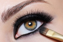For the <3 of Eye make-up  / by Ylona van Toor