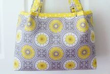 SEW ~ BAGS, PURSES, ORGANIZERS / Tons of free tutorials!  How to sew Handbags, Purses, Organizers and totes of all kinds!