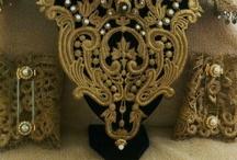 Wedding / Bodas / He creado una nueva línea para novias,  complementos como cinturones, brazaletes o collares para una novia diferente... y como novedad ramo de novia artificial y regalos exclusivos para las invitadas. Sorprenderás!!