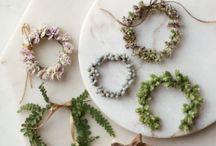 floral wreaths & garlands