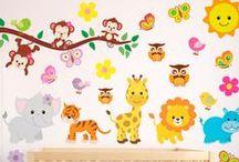 VINILO INFANTIL ANIMALES / Vinilos decorativos de animales ideales para habitaciones de bebés y niños pequeños. Ositos, conejos, cebras, jirafas... un grupo de animalitos de lo más completo con el que decorar una habitación infantil de forma muy sencilla y modificable conforme el bebé crezca y vaya haciéndose mayor. Es realmente fácil quitar un vinilo de pared anterior para colocar un vinilo nuevo. ¡Créenos!