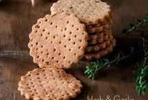 Cookies and Crackers / Amazing cookie recipes and crackers.