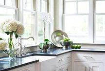 Bright White Kitchens / Inspiration for my kitchen makeover
