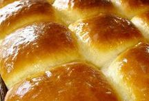 BREAD! Rolls, Loaves, Cornbread & More / Bread, loaves, cornbread, muffins, fruit breads, cheesy bread, jalapeno, crazy bread... Every kind of bread recipe is here! Of all smells BREAD is the best! #Bread #Recipes