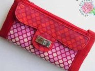 Clutch Bags and Wristlets /  Sewing projects, patterns & tutorials for  wristlets, clutches, mini-bags, and more.