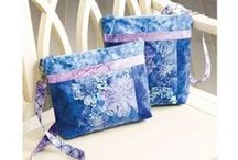 Batik Bags / Sewing patterns, tutorials and projects to create Batik Bags