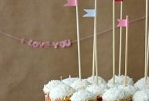 SENSATIONAL CAKES / Hmmm