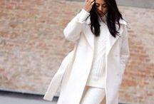 MINIMALISM / We all love a good minimalist outfit. It looks simple, but don't be fooled. Inspiration like this is much needed.