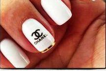 Nails [White]