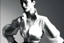camisas brancas.... / by Marcia Gimenez