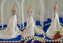 Miniature Dresses & Hats / by Lerryn Meza
