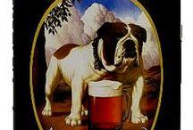 John Bull / John Bull este un personaj celebru, cu radacini adanci in istorie.Este mentionat pentru prima data in 1712 in scrierile satirice ale lui John Arbuthnot.Asocierea cu berea s-a produs la inceputul secolului 20. Imaginea originala a lui John Bull era a unui fermier obisnuit, purtand vesta si fiind insotit de un bulldog.De aici si caracterul berii - deschisa, cinstita, fara fasoane.