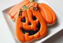 Halloween / Halloween Party ideas, decorations, printables, gifts, diy crafts, food and inspiration.