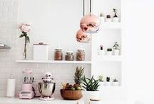Small House | Big Style / Small house living doesn't need to be boring. Bring big style into your small home with modern accent pieces + thoughtful organization. Curated by Melissa Steedsman of 521handmade.