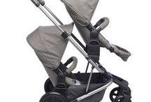 easywalker Harvey / Easywalker Harvey es el primer cochecito extensible en el mercado que se adapta con la familia. Es elegante, ligero y es un coche plegado compacto. Si un segundo niño llega, este se puede extender mediante el uso de un eje sencillo para convertirse en una silla de paseo dual. Podemos colocar un asiento, un capazo, un asiento de coche y uno o dos asientos, o cualquier otra combinación que se desee.  Es un cochecito que ofrece ¡la mejor solución para todas las fases de la familia!