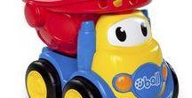 juguetes para bebes Bright Starts Oball GoGrippers / Descubre los juguetes para bebés más avanzados, diseñados por especialistas para estimular los sentidos de tu bebé a la vez que juegan y se divierten, los coches y camiones Oball GoGrippers se adaptan perfectamente a sus manitas. Son superdivertidos y resistentes, ¡aguantarán todo el trote de tu peque!. Los coches GoGrippers de Oball cumplen las más estrictas normativas de uso infantil y están recomendados para su uso a partir de un año y medio de edad.