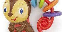 sonajero bebe bright starts / Descubre sonajeros para bebé de bright starts, los sonajeros bright starts te garantizan la mayor calidad y toda la experiencia de la mejor marca en juguetes para bebés, especialmente diseñados para divertir y estimular al bebé durante con sus sonidos divertidos. El sonajero bebe de bright starts te garantiza una gran calidad y tranquilidad al ser un producto seguro y que ha pasado todos los test en materia de seguridad infantil