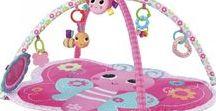 Pretty in Pink Juguetes para bebés bright starts / Descubre la gama de juguetes diseñados exclusivamente para nuestras princesas, con unas gamas de colores que le encantará, la gama de bright starts pretty in pink son juguetes que estimulan los sentidos de tu bebé, a la vez que se divierten y juegan.