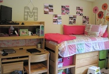 Dorm Room Ideas / Creative ways to make the most out of dorm room space