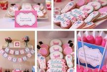 Celebrate + Pampered Spa / Make your girls feel pampered at a SPA party with these party FOOD ideas and DESSERT table, sweet and fun ACTIVITIES, cool PRINTABLES, PHOTO BOOTH ideas, DIY beauty RECIPES and party FAVORS.