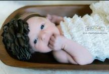 Babies + Newborn Photos / Newborn photoshoot ideas for babies, families and siblings.
