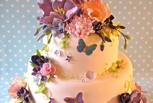Cakes / Mostly my wishful thinking to someday learn the techniques of decorating cakes like some of these! / by Rebecca Ashworth