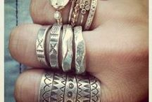 Jewelry - new and vintage / I love vintage AND modern jewelry. Do you, too? People are sharing some awesome jewelry here.