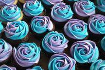 Cakes && Cupcakes / by Jami Martin