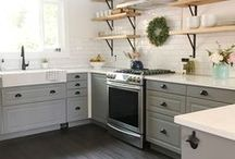 KITCHEN SPACES WE LOVE / Industrial, modern, farmhouse kitchens. Beautiful spaces to feed your family and LOVE to look at.