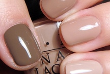 Polished / Polish off those ring fingers with these fun, chic looks for your nails.