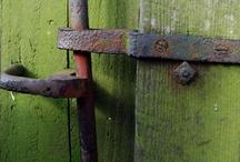 secrets / doorways/portals/passages