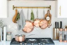 Kitchen + dining / Beatiful kitchens, dining spaces and smart kitchen storage.