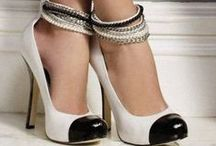 Shoes / by Ale cupcakeeventi