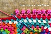 Crocheted Edges - Margini crosetate / (Crocheted edges)