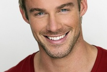 All Hail Jessie Pavelka / Jessie Pavelka is an American fitness model, personal trainer, actor and television presenter. Oh and he's le damn hot.