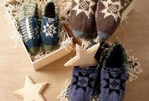Cozy Knit Slipper Pattern Ideas / Slip your feet into any one of these delightfully cozy knit slipper pattern ideas.