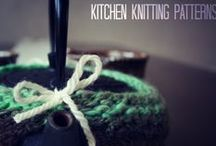Knit Dishcloth Patterns / Kitchen Knitting Patterns, including easy knit dishcloth patterns.  Easy knit washcloths, knit potholder patterns, knit cozies and more.