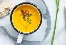 Soup / À la soupe !  Des soupes de légumes, des veloutés, des potages en veux-tu en voilà, pour les soirs d'hiver mais aussi les chaudes soirées d'été Végétarien, vegan
